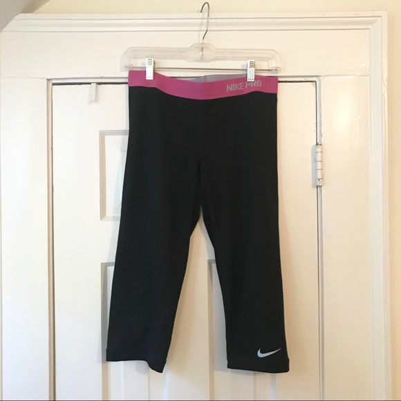 Nike Pants - Medium Nike Pro Crops